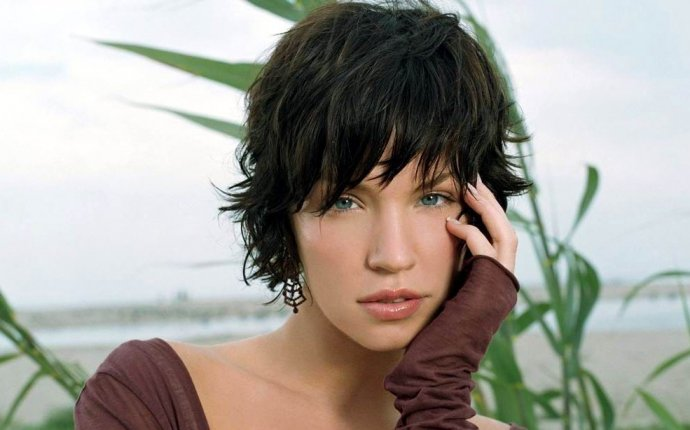womens Short hairstyles with fringe